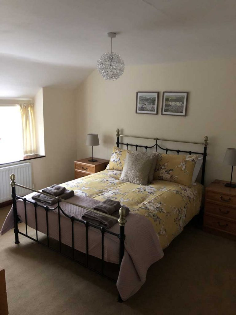 Kingsize Bedroom at Dunstanburgh View